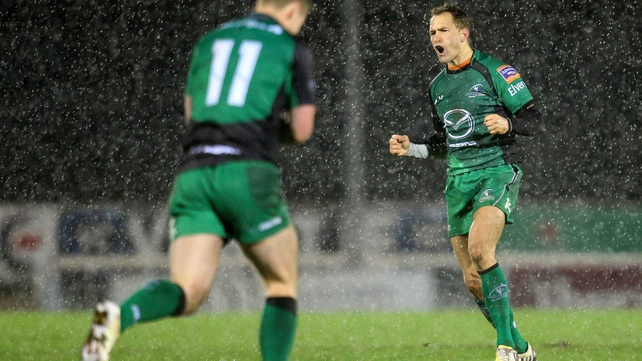Dan Parks celebrates scoring the winning drop-goal for Connacht