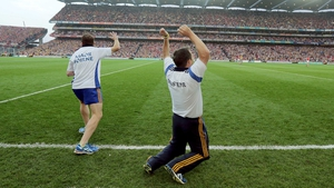 Clare manager Davy Fitzgerald (R) celebrates after his side win the All-Ireland hurling title