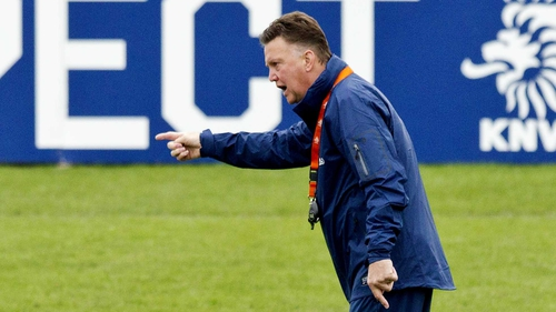 Louis van Gaal did not meet with Manchester United according to the club