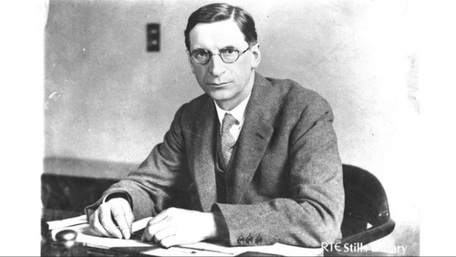 President Éamon de Valera spoke about the bonds of kinship between Ireland and America (Pic: RTÉ Stills Library)