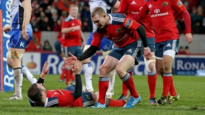 Munster will be looking for JJ Hanrahan and Keithg Earls to combine to good effect against the Warriors