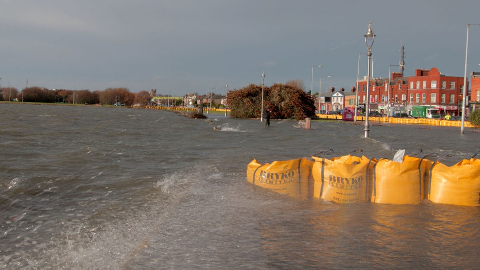 Sandbags at the ready in Clontarf (Pic: Patrick Smith)