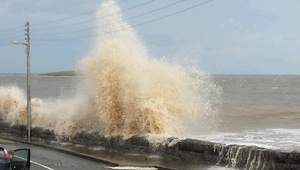 Skerries in Co Dublin was also experiencing high tides (Pic: Niamh Byrne)