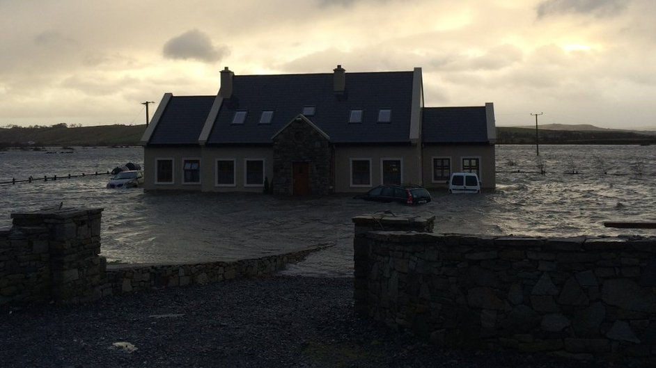 A house at Carrowholly, Westport, Co Mayo is surrounded by flood waters (Pic: P Conlon)