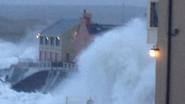 Waves battering the seafront in Lahinch, Co Clare (Pic: lahinchpackages.com)