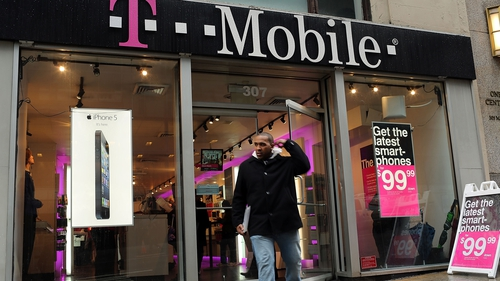 Sprint drops bid for US carrier T-Mobile