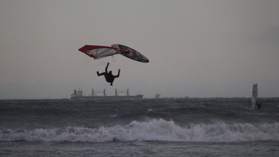 Windsurfers take advantage of the conditions at Dollymount Beach in Dublin (Pic: Ciara Bregazzi)
