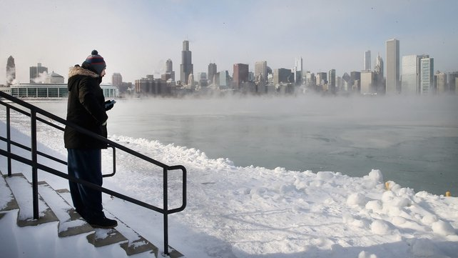 The afternoon temperature in Chicago on Monday was -24C