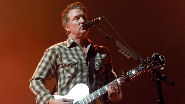 Queens of the Stone Age plan new album in 2014