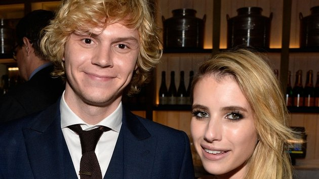 'Horror' stars split: Emma Roberts , Evan Peters