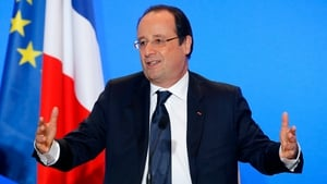 Economists have cautiously praised Francois Hollande's economic programme