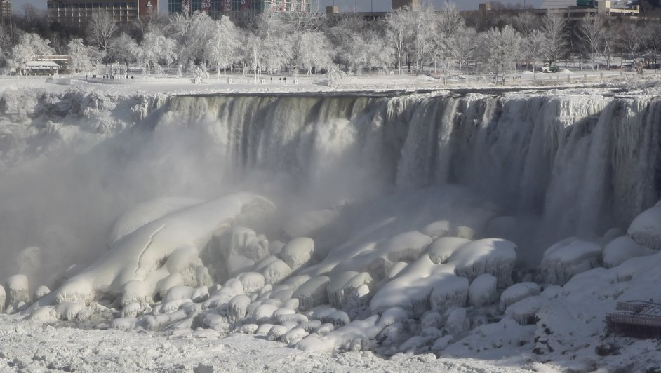 Niagra Falls was frozen in the sub-zero weather conditions