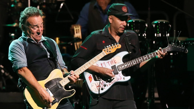 Bruce and Tom: Born to strum