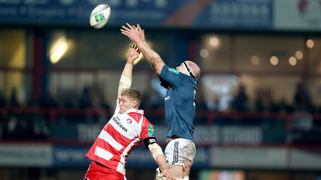Paul O'Connell climbs above James Hudson of Gloucester