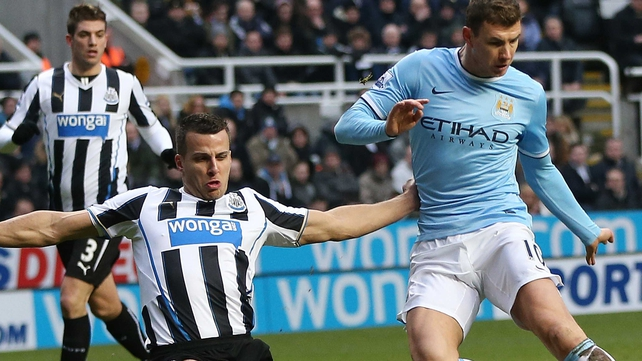 Edin Dzeko agrred deal to keep him at City until at least 2018