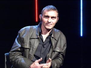 Michael Frank Ó Confhaola, Fonnadóir.
