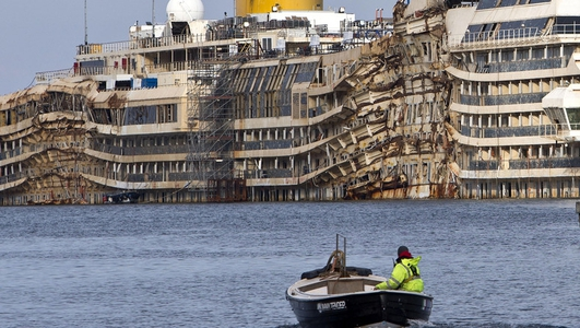 Operation to lift Costa Concordia begins today