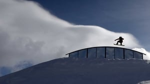 Charles Guldemond takes a practice run during qualification for the US Snowboarding Grand Prix in Colorado