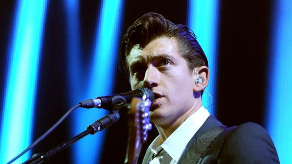 Artic Monkeys' Alex Turner finds it difficult playing old songs