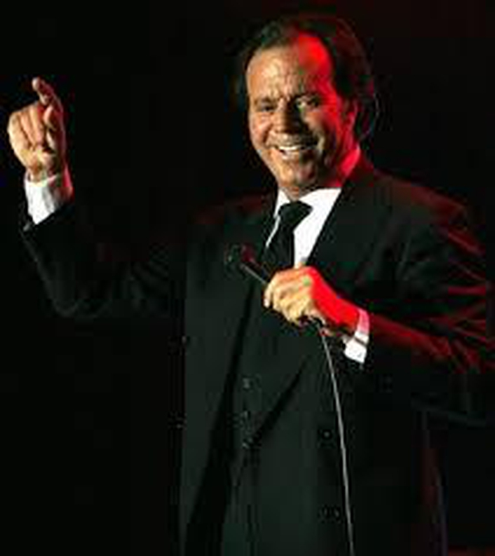 Spanish singer/songwriter Julio Iglesias