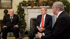 US President George W Bush speaks with Mr Paisley and Mr McGuinness in 2007