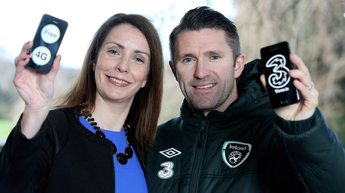 Three Ireland's chief commercial officer Elaine Carey with Robbie Keane at its 4G service launch