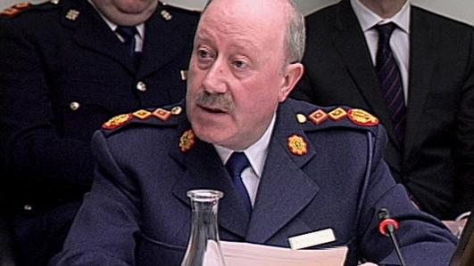 John Downing-tuairisceoir polaitíochta.