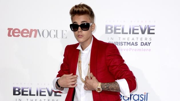 Justin Bieber gets booed at Juno Awards