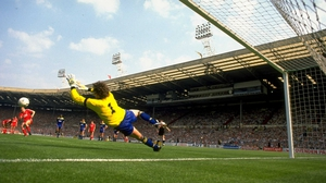 Dave Beasant saves John Aldridge's penalty