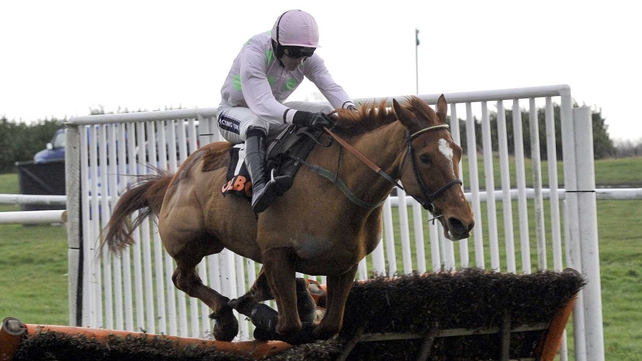 The exciting Annie Power survived a mistake at the last to score decisively and maintain her unbeaten record