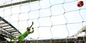 Stoke goalkeeper Asmir Begovic fails to stop Oscar's powerful free kick