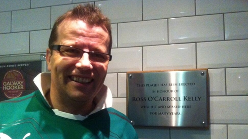 Paul Howard, pictured with the recently-unveiled ROK plaque in Kylies of Dublin