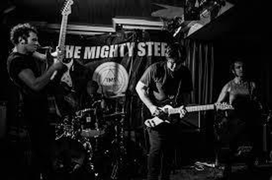 Live Music - The Mighty Stef