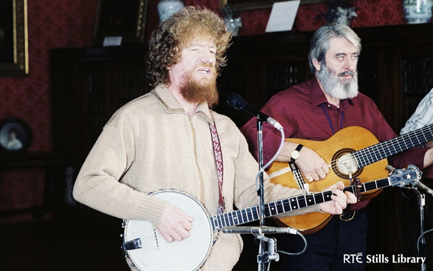 Luke Kelly and Ronnie Drew at Bantry House, County Cork (1981)