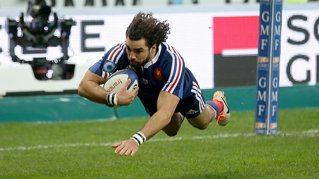 Yoann Huget opens the scoring with a try for France