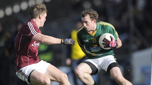 Meath's Eamonn Wallace takes on Galway's Donal O'Neill
