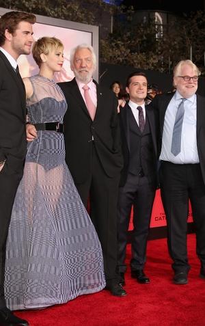 Liam Hemsworth, Jennifer Lawrence, Donald Sutherland, Josh Hutcherson, Hoffman