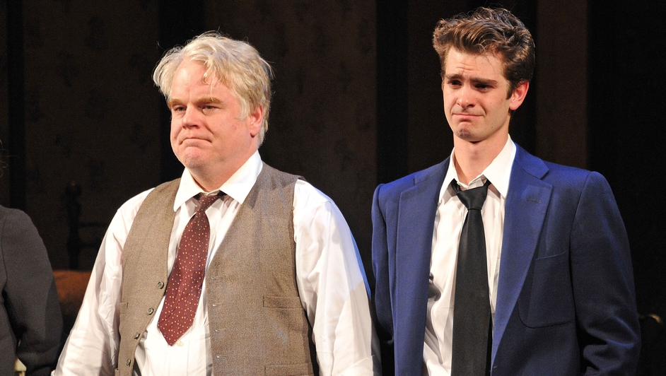 Hoffman starring with Andrew Garfield in Death Of A Salesman at the Barrymore Theatre in 2012 in New York City