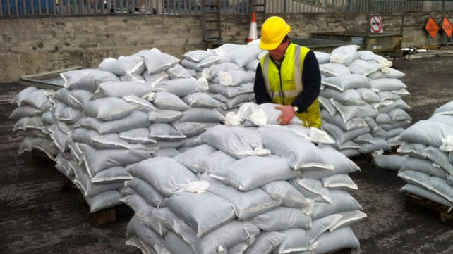 Stocking up on sandbags in Athlone