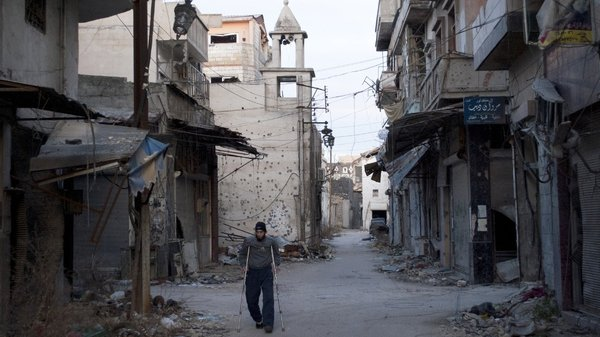 An agreement to deliver humanitarian aid to Homs is under discussion
