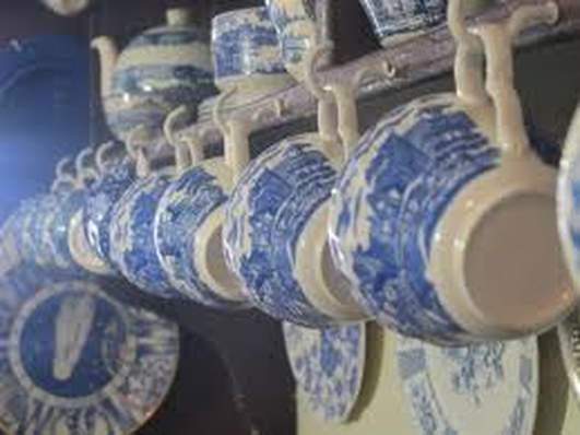 Pretty Plates - renting china collection from home