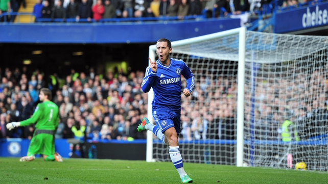 Chelsea's Belgian midfielder Eden Hazard celebrates scoring the opening goal