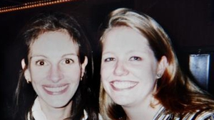 Julia Roberts and Nancy Motes. Pic courtesy of New York Daily News
