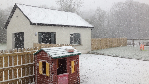 Snow falling in Mullingar, Co Westmeath (Pic: Brian Collentine)