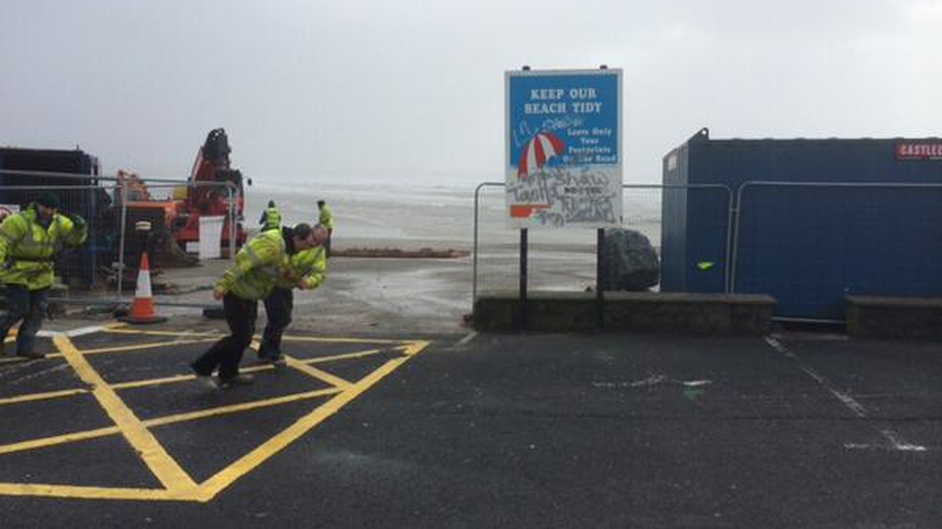 Strong winds in Tramore, Co Waterford this morning