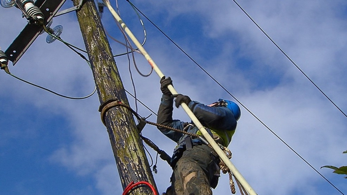 ESB work to restore power to thousands of people