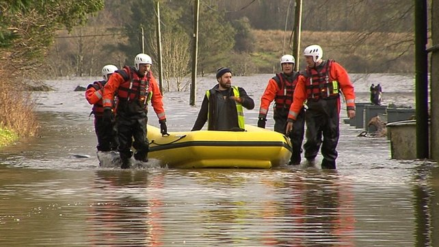 Defence Force members assist with flood relief in Galway
