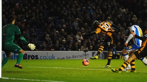 Yannick Sagbo scores an 85th minute equaliser for Hull