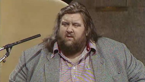 Wrestler Giant Haystacks on Being So Large