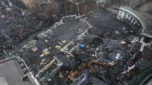 Barricades in Grushevskogo street in downtown Kiev (Pic: EPA)